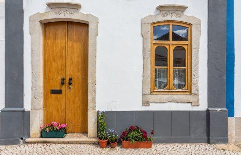 Différence entre peinture et enduit de façade